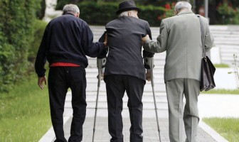 ZAKON O PIO: Radnicima u realnom sektoru novi zakon u starosti garantira jedino ekstremno siromaštvo