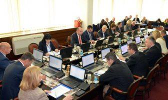 Vlada FBiH platit će i ove godine 200 hiljada KM advokatima zbog milionskih tužbi državnih službenika