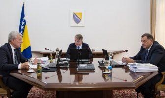 Dodik prijeti ukidanjem državnih nadležnosti u pitanjima odbrane, VSTV-a, indirektnih poreza
