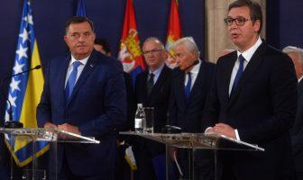 Svesrpska šamarčina Dodiku