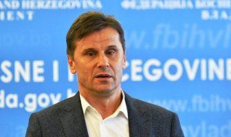 Novalić najavio masovnu nabavku testova i respiratora za općine, kantone i Federaciju