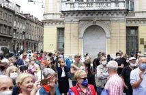 Komemorativnom šetnjom Sarajlije odale počast žrtvama fašističkih zločina