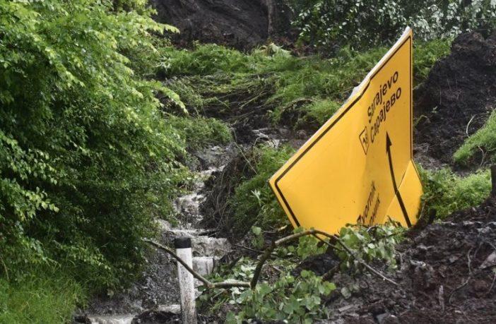 Plaćamo vodne naknade a umjesto sanacije vodotoka i prevencije poplava nadležni se bave pisanjem upozorenja