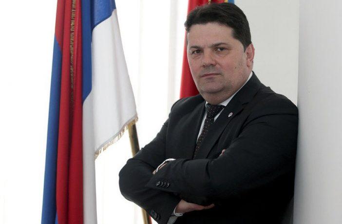 SATIRA(NJE): Stevandić se srdi na CIK i odriče se plate u Parlamentu BiH