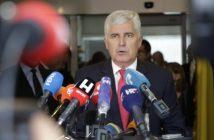 Dok cijeli svijet brine zbog pandemije Čović se pojavi samo kad se spomenu izborne promjene
