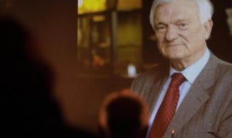 Iz pisma Jovana Divjaka građanima BiH: Najvrednije u proteklih 27 godina je što smo zajednički pomogli u obrazovanju djece i mladih