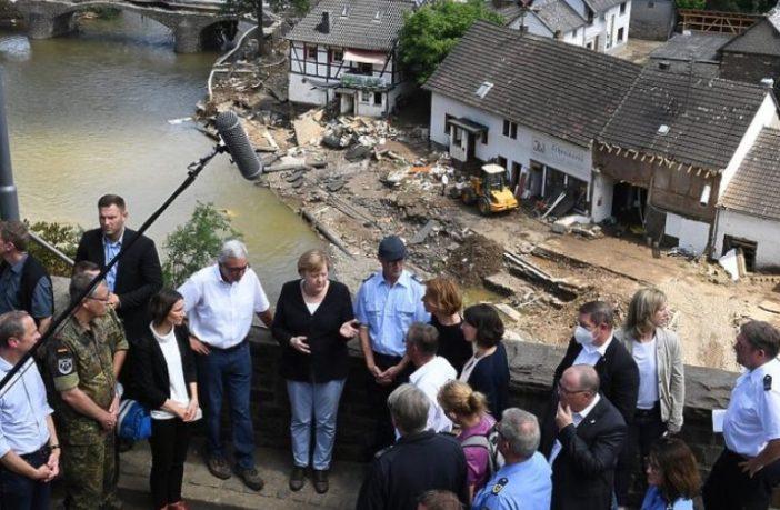 """Merkel obećala oporavak poplavljenim područjima: """"Njemački jezik nema riječi kojima bih mogla opisati ovu devastaciju"""""""