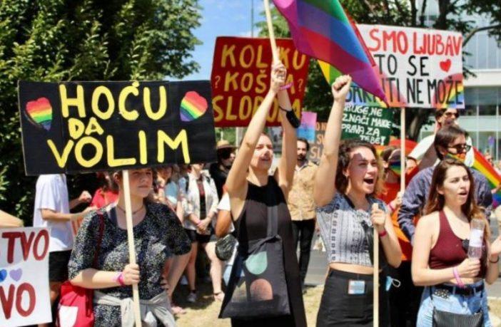 """Treća Povorka ponosa u Sarajevu: """"Ovdje smo da zaustavimo okove koji se zovu nasilje i stigmatizacija"""""""